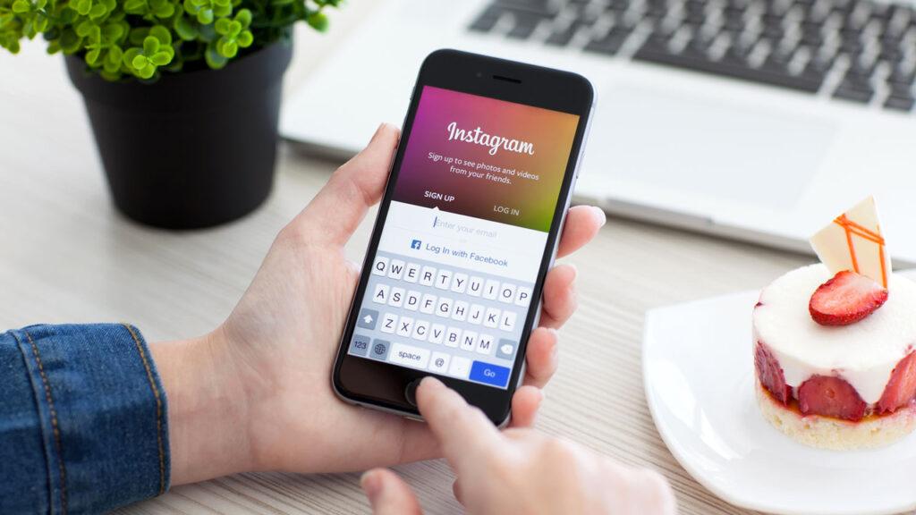 Instagram в первую очередь был создан как мобильное приложение