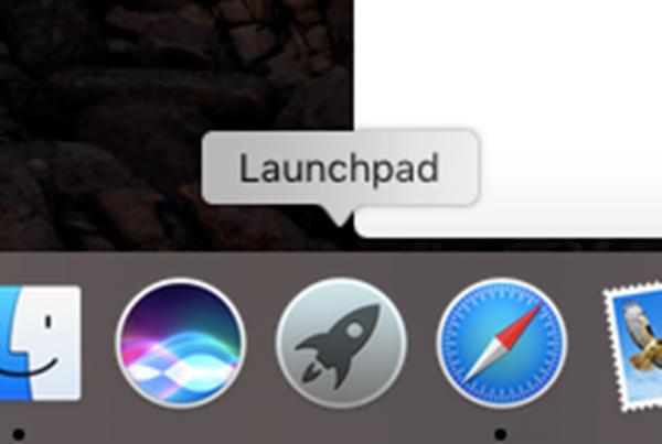Находим в нижней Dock-панели значок «Launchpad» и открываем его