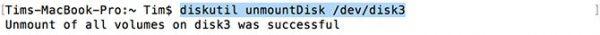 Вводим diskutil unmountDisk dev-diskN (N — номер вашего накопителя), нажимаем Enter