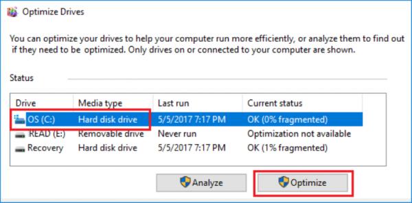 Выбираем жесткий диск, который хотим дефрагментировать, и нажимаем кнопку «Оптимизировать»