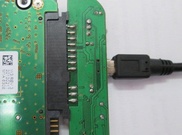 Подключаем адаптер к винчестеру