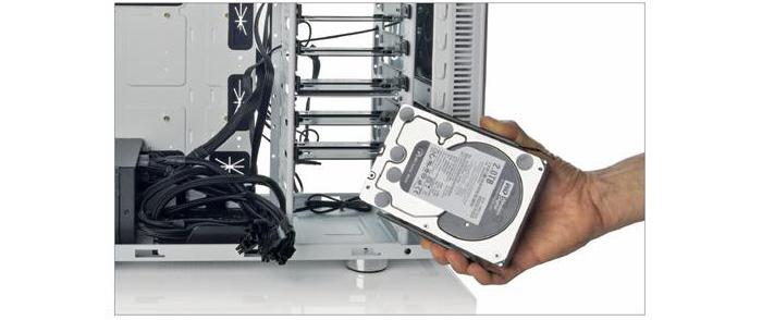 Как снять жесткий диск с компьютера