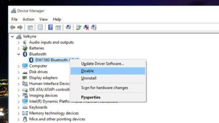 Щелкаем правой кнопкой мышки по неиспользованным устройствам и выбираем «Отключить» («Disable»)