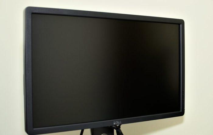 Чем протереть монитор компьютера в домашних условиях