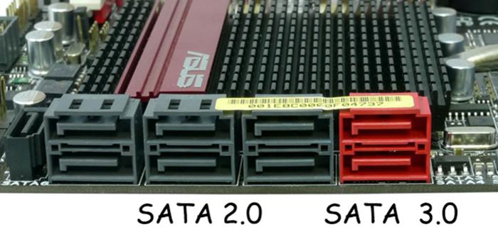 Подключаем, с помощью переходников, SSD-накопитель к нужным компонентам компьютера