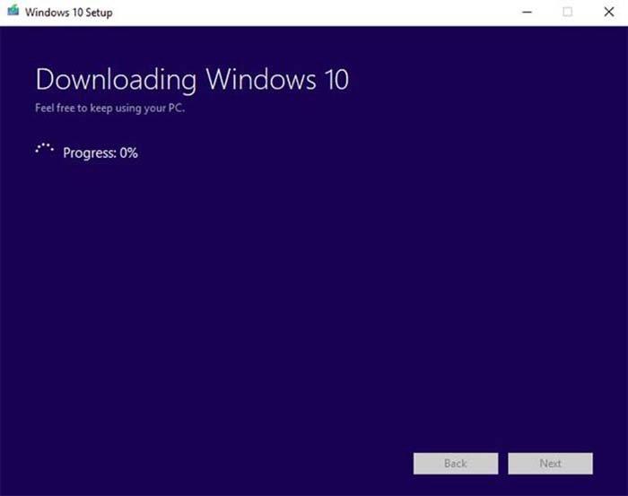 Ожидаем завершения процесса создания установочного носителя Windows 10