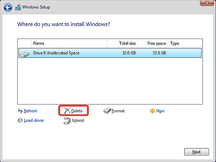 Выбираем на основном диске щелчком мыши разделы по одному, нажимаем кнопку «Delete», затем нажимаем «Next»