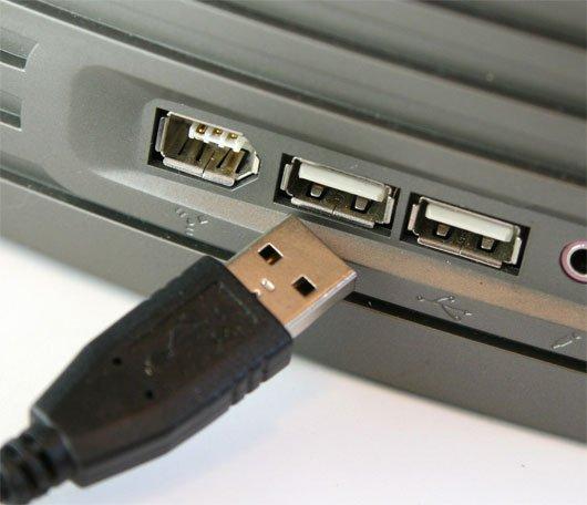 Собираем и включаем ПК, подключив его периферийные устройства и проверив их работу