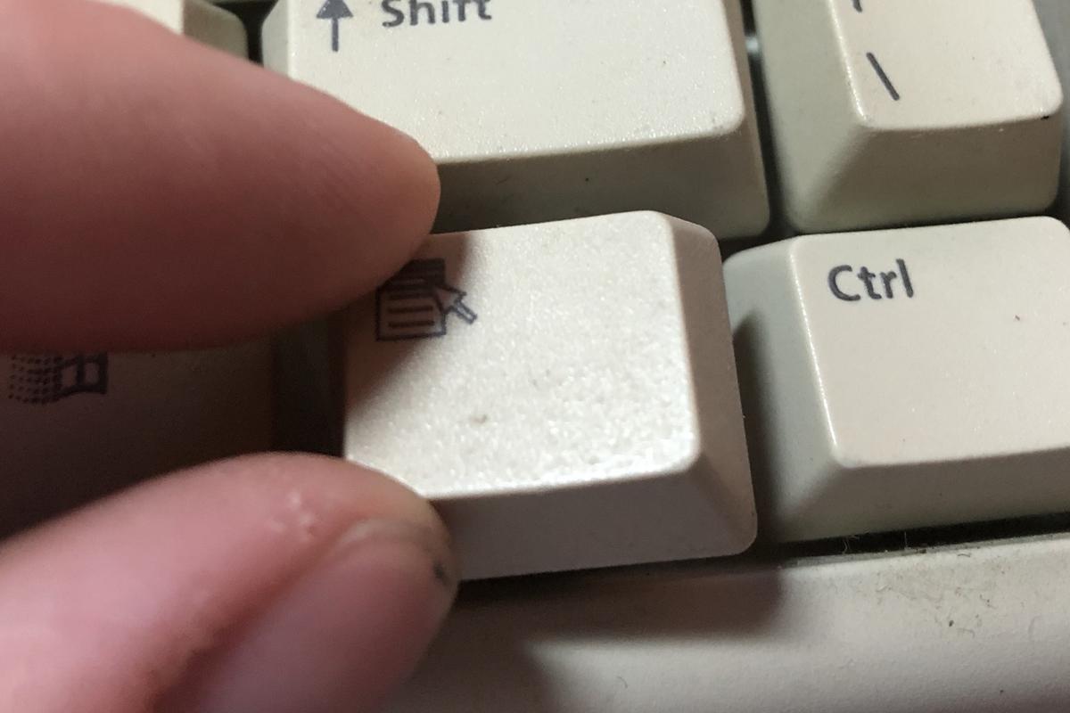 Устанавливаем на место кнопки