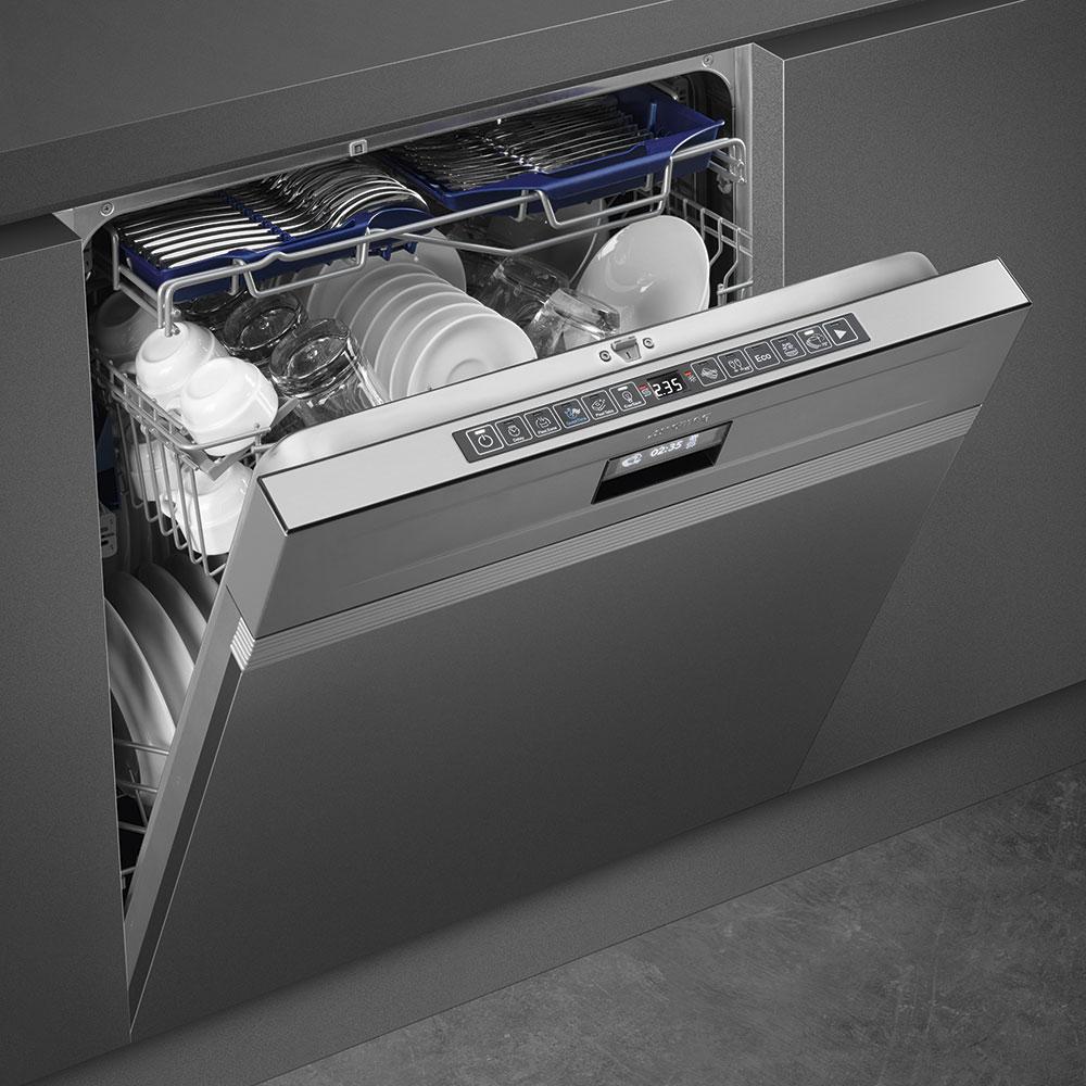 При выборе посудомоечной машины необходимо учитывать габариты шкафа и количество членов семьи