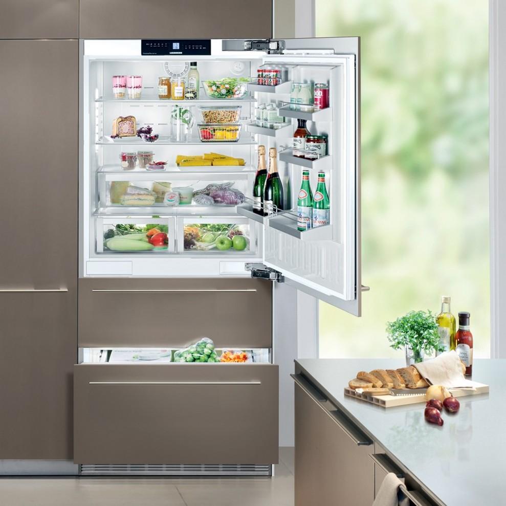Размер встраиваемого холодильника должен быть меньше чем шкаф, куда он будет устанавливаться