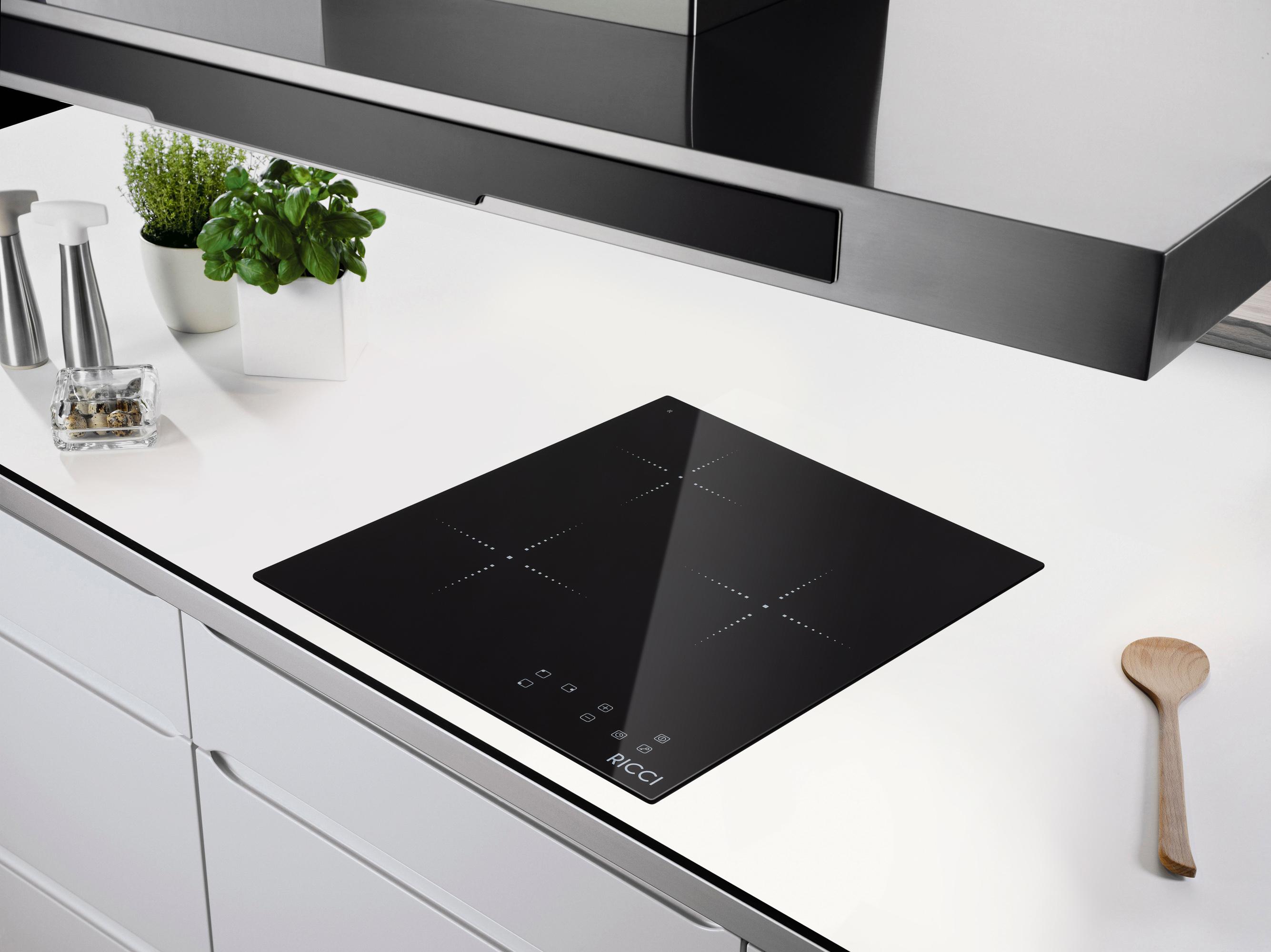 Варочная панель встраивается в столешницу гарнитура и заменяет кухонную плиту