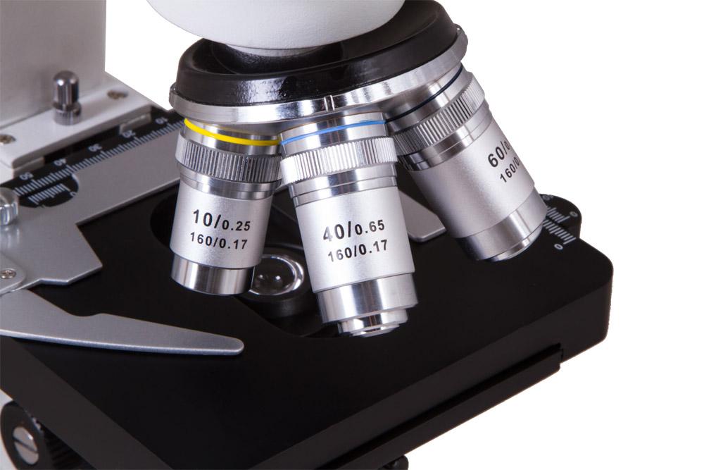 Окуляр и объектив микроскопа