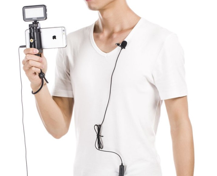 Петличные микрофоны удобнее для применения чем большие микрофоны