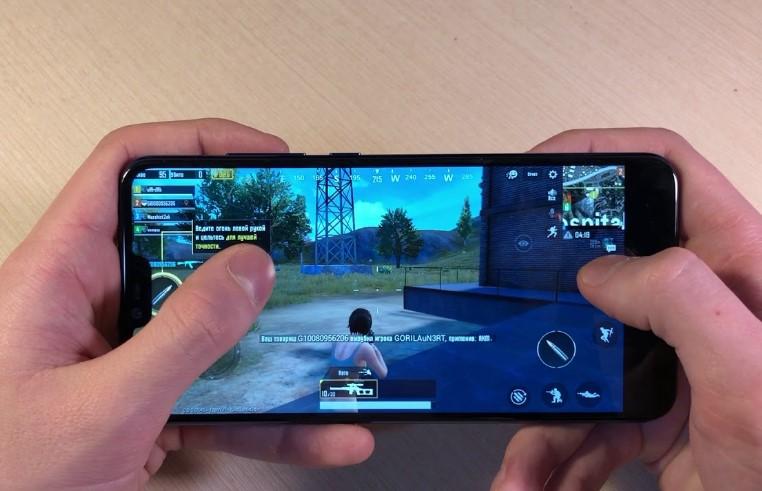 Смартфон идеальное решение для простых задач и игр с высоким качеством графики