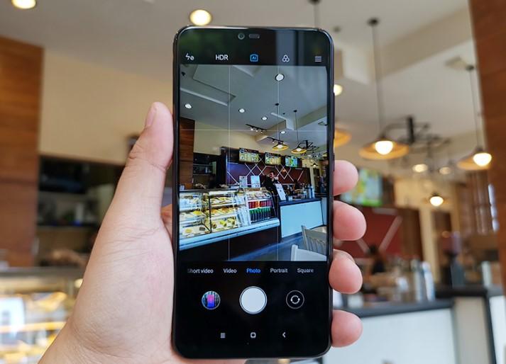 Второй объектив в смартфоне Xiaomi Mi 8 lite - портретный