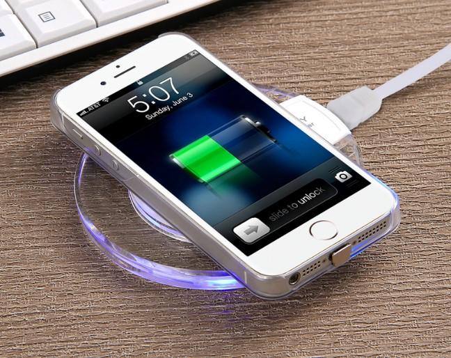 iPhone с опцией беспроводной зарядки