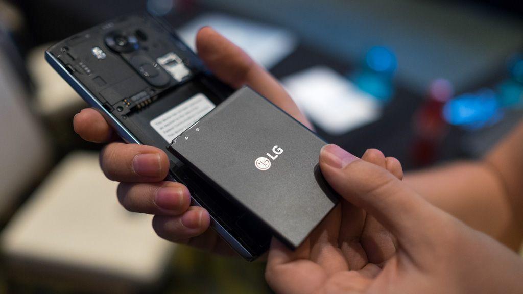Правила выбора смартфона со съёмным аккумулятором