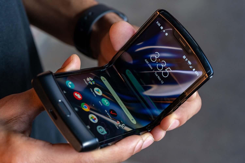 Смартфон Razr от производителя Motorola