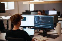 ТОП-17 курсов по обучению Frontend разработке