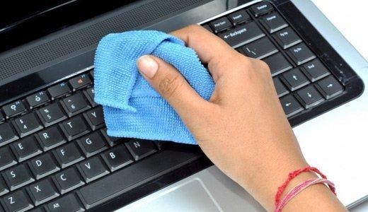 Как чистить клавиатуру на ноутбуке