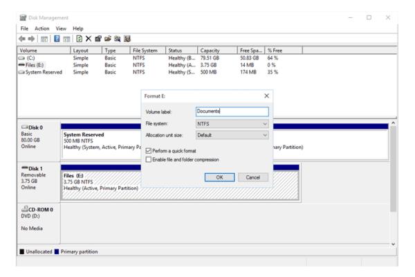 Снимаем флажок возле пункта «Выполнить быстрое форматирование» и выбираем «Стандартное форматирование»